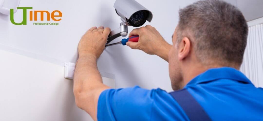 Техник систем охраны и оповещения - важная профессия, от которой зависит безопасность предприятий и информационных ресурсов.